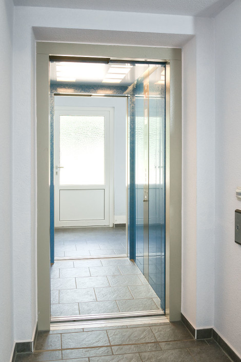 Aufzug Wohnhaus Durchgang