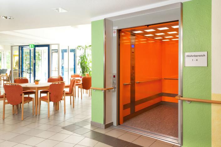 Aufzug Seniorenzentrum Zschopau im Eingangsbereich